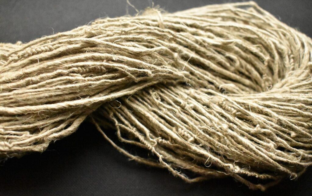 Handspun flax tow